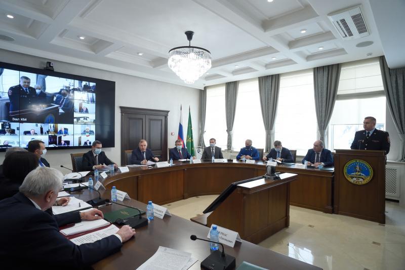 Глава Адыгеи провёл заседание региональной комиссии по обеспечению безопасности дорожного движения