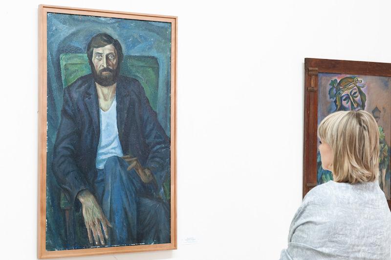 В Картинной галерее Адыгеи работает выставка «Мужской портрет», посвященная Дню защитника Отечества