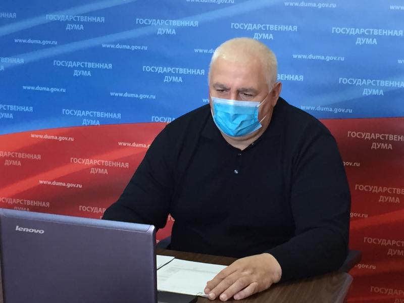 Мурат Хасанов провел прием граждан в дистанционном формате