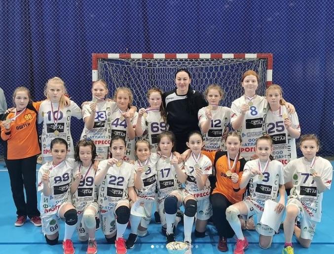 Майкопские гандболистки спортшколы им. Джанчатова одержали победу на всероссийском турнире в Астрахани